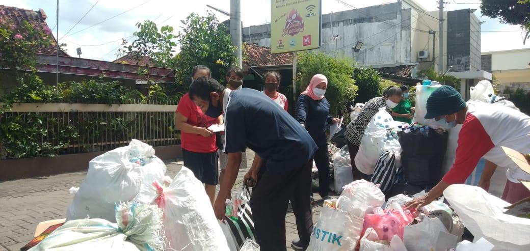 Bank Sampah Tetap Aktif Selama Masa Pandemi