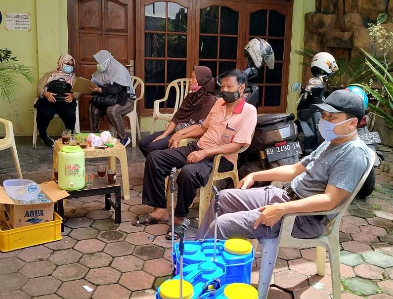 Edukasi penanganan covid -19 di KampungPenumping